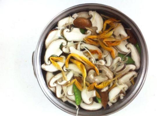 金針香菇湯