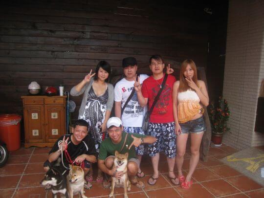 2010.8.9陳先生6人+3狗入住船、蛋和樹屋 相片來源:墾丁寵物民宿.哈CHEESE