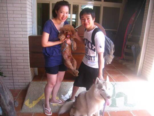 2010.8.14黃先生2人+1狗入住樹屋 相片來源:墾丁寵物民宿.哈CHEESE