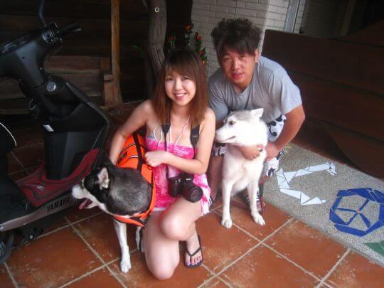 2010.8.20蔡小姐2人+1狗住蛋屋 相片來源:墾丁寵物民宿.哈CHEESE