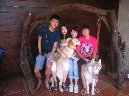 2010.9.2潘小姐4人+1狗入住樹屋和蛋屋 相片來源:墾丁寵物民宿.哈CHEESE