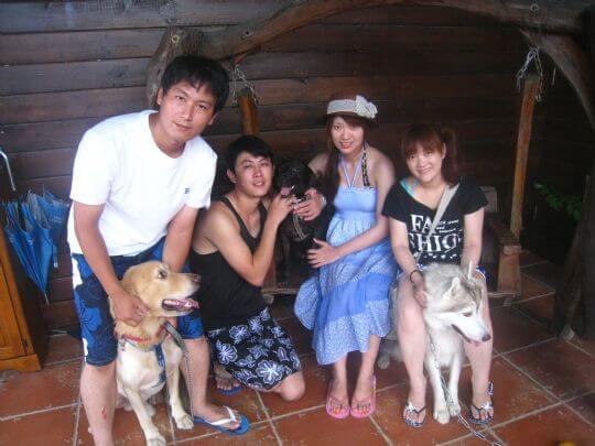 2010.9.3洪小姐4人+2狗入住船屋和蛋屋 相片來源:墾丁寵物民宿.哈CHEESE