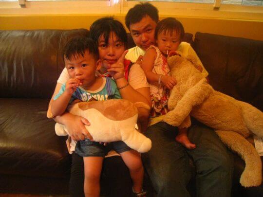 2010.9.4串聯貼紙抽中免費入住的小步媽咪一家人 相片來源:墾丁寵物民宿.哈CHEESE