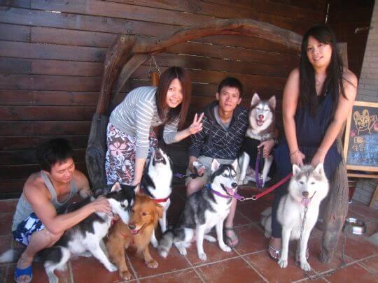 2010.10.28~29徐小姐4人+5狗入住船屋和蛋屋 相片來源:墾丁寵物民宿.哈CHEESE