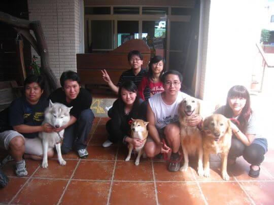 2010.11/13江小姐7人+3狗入住通鋪 相片來源:墾丁寵物民宿.哈CHEESE