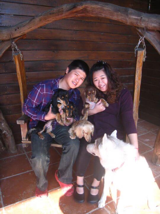2010.12.26吳小姐2人+4狗入住船屋 相片來源:墾丁寵物民宿.哈CHEESE