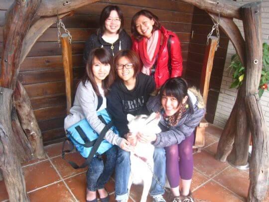 2011.1.11Rebecca小姐5人入住船屋和樹屋(謝謝您們的巧克力!) 相片來源:墾丁寵物民宿.哈CHEESE
