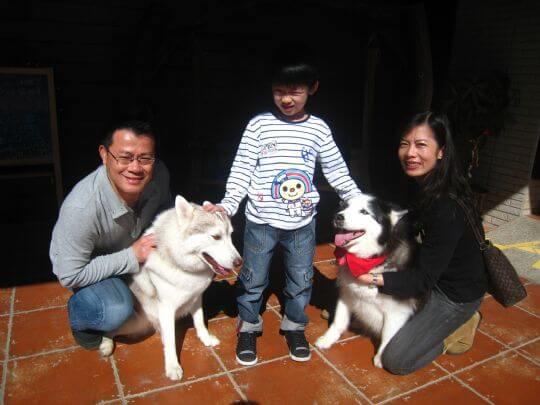 2011.1/29~1/30王小姐3人+1狗入住船屋 相片來源:墾丁寵物民宿.哈CHEESE