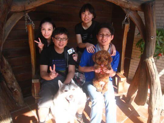 2011.2/4曾小姐4人+1狗入住樹屋和蛋屋 相片來源:墾丁寵物民宿.哈CHEESE