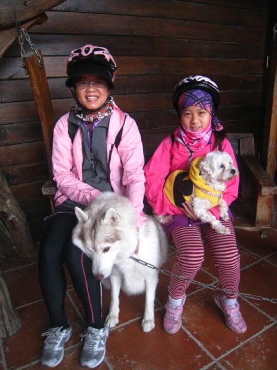 2011.2/13蔡小姐2人+1狗入住樹屋 相片來源:墾丁寵物民宿.哈CHEESE
