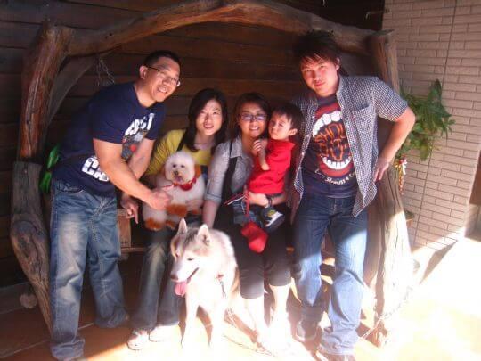 2011.2/27范先生5人+1狗入住船屋和蛋屋 相片來源:墾丁寵物民宿.哈CHEESE