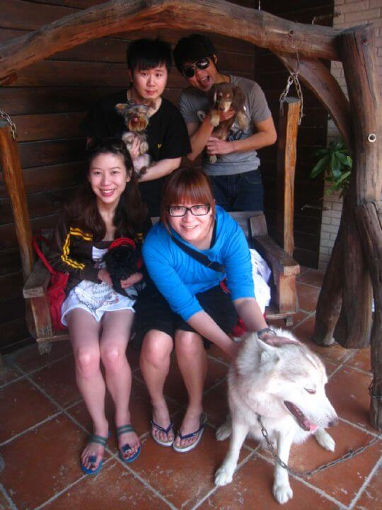 駱小姐4人+2狗入住蛋屋和樹屋 相片來源:墾丁寵物民宿.哈CHEESE
