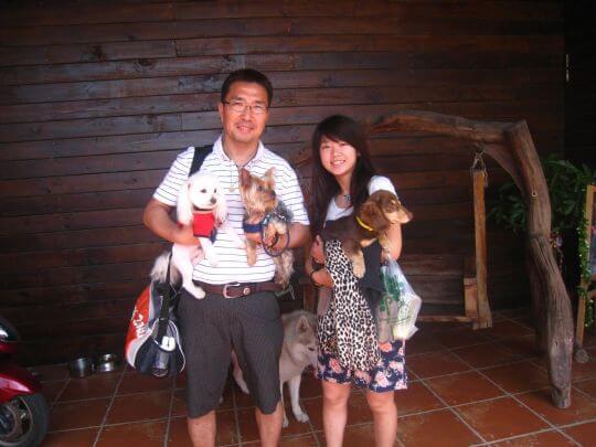 2011.4/13張先生2人+2狗入住蛋屋 相片來源:墾丁寵物民宿.哈CHEESE