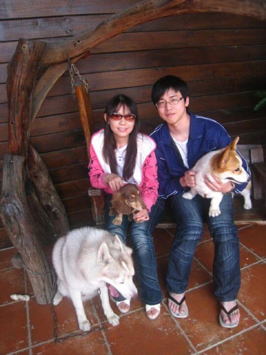 2011.4/14巫先生2人+1狗入住蛋屋 相片來源:墾丁寵物民宿.哈CHEESE