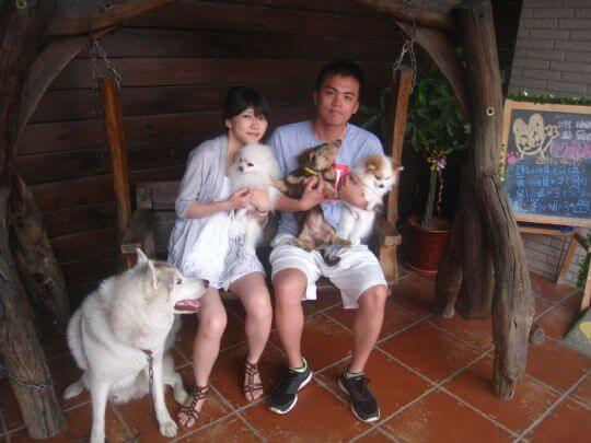 2011.4/16張先生2人+2狗入住樹屋 相片來源:墾丁寵物民宿.哈CHEESE