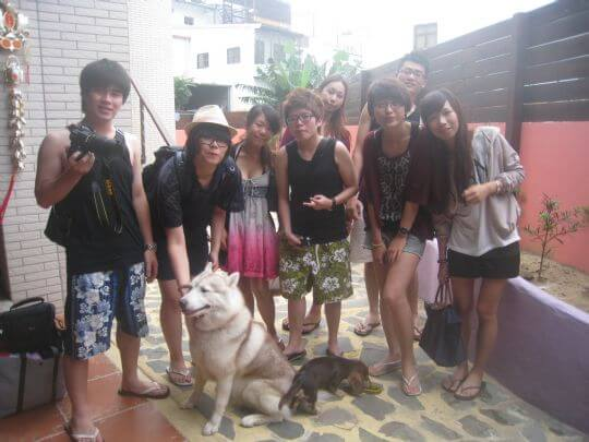 2011.4/29陳小姐8人入住通鋪 相片來源:墾丁寵物民宿.哈CHEESE