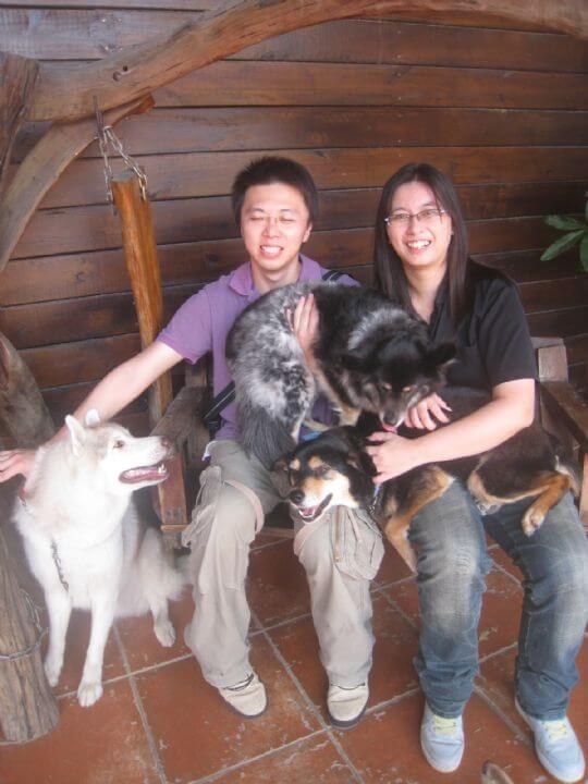 2011.4/30~5/1吳先生2人+2狗入住蛋屋和樹屋 相片來源:墾丁寵物民宿.哈CHEESE