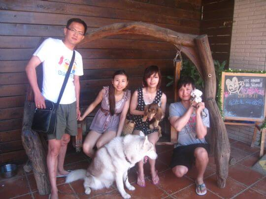 2011.5/11紀先生4人+1狗入住船屋和蛋屋 相片來源:墾丁寵物民宿.哈CHEESE