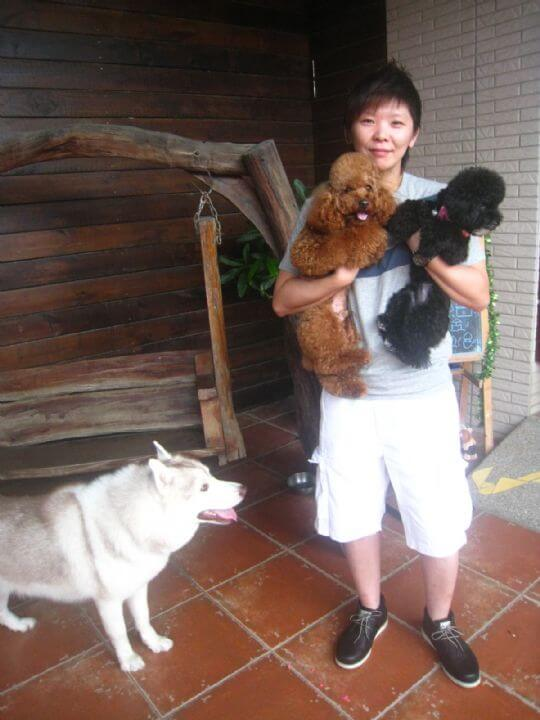 2011.5.17鄭小姐2人+2狗入住蛋屋 相片來源:墾丁寵物民宿.哈CHEESE