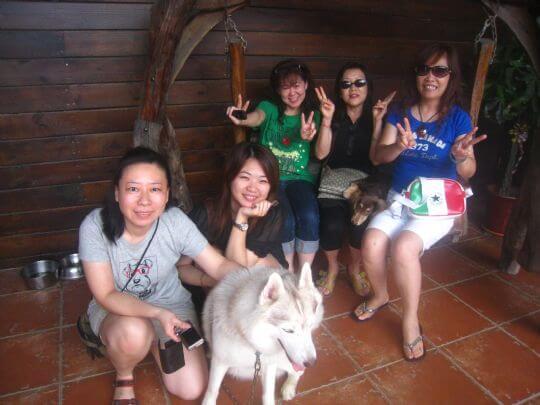 2011.5.21余小姐5人+4狗入住通鋪 相片來源:墾丁寵物民宿.哈CHEESE
