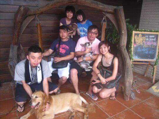 2011.5.21~22高小姐6人+2狗入住船屋蛋屋和樹屋 相片來源:墾丁寵物民宿.哈CHEESE