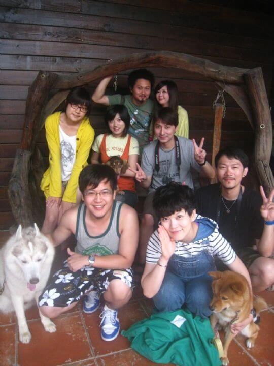 2011.5.30陳小姐8人+1狗入住通鋪和樹屋 相片來源:墾丁寵物民宿.哈CHEESE