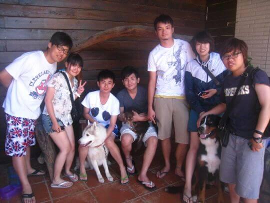 2011.6/12呂先生7人+1狗入住通鋪 相片來源:墾丁寵物民宿.哈CHEESE
