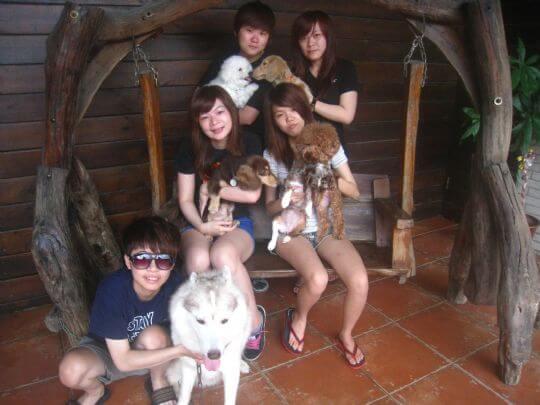 2011.6/25盧小姐5人+4狗入住通鋪 相片來源:墾丁寵物民宿.哈CHEESE