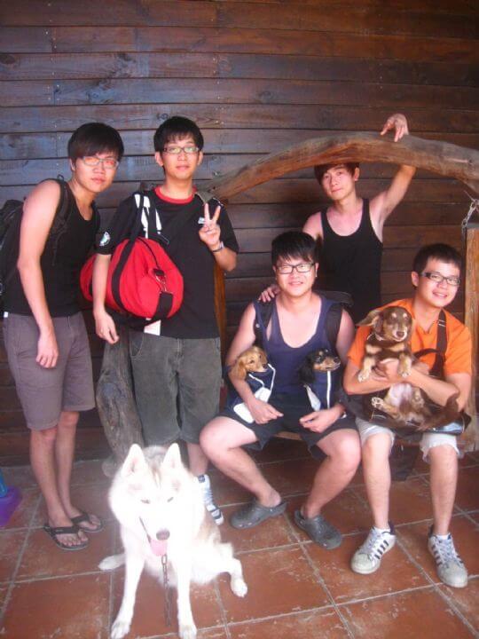 2011.6/28~29廖先生5人+2狗入住通鋪 相片來源:墾丁寵物民宿.哈CHEESE