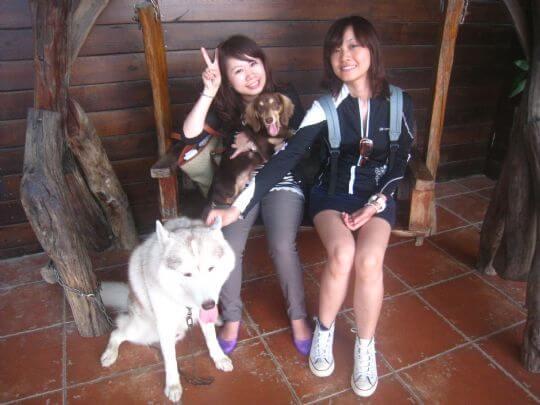 2011.7/3明燕和雅鈴2人入住蛋屋 相片來源:墾丁寵物民宿.哈CHEESE