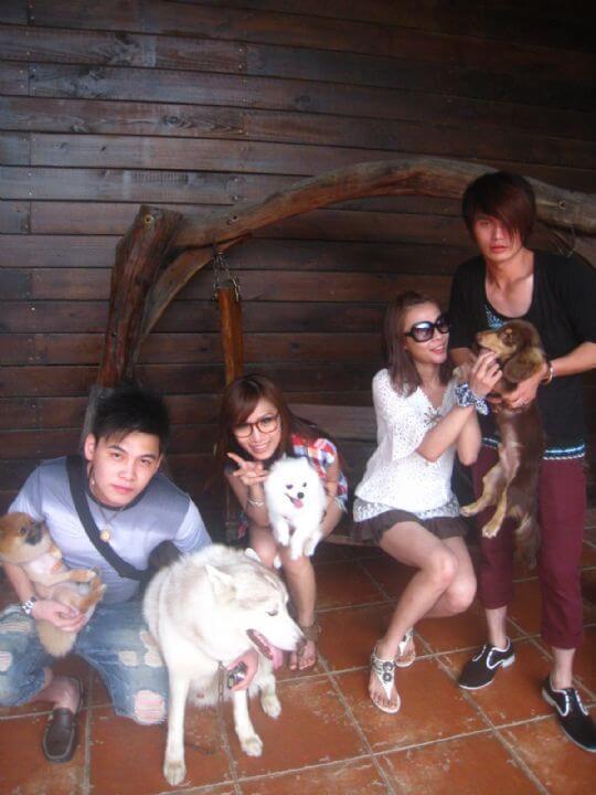 2011.7/7陳小姐4人+2狗入住樹屋和船屋 相片來源:墾丁寵物民宿.哈CHEESE
