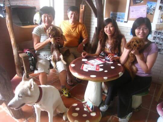 2011.7/27嚴小姐4人+1狗入住蛋屋和船屋 相片來源:墾丁寵物民宿.哈CHEESE