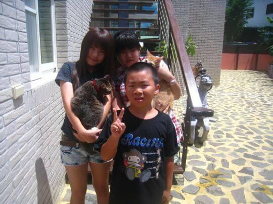 2011.8.23~24林小姐4人+2貓入住樹屋 相片來源:墾丁寵物民宿.哈CHEESE