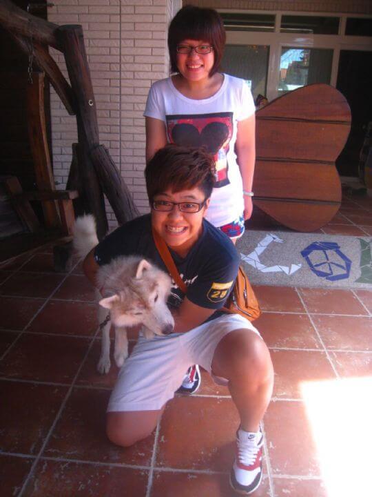 2010.6.29~30小猴和朋友連住兩天不同房間,船屋和蛋屋,TOROL難得被制伏。 相片來源:墾丁寵物民宿.哈CHEESE