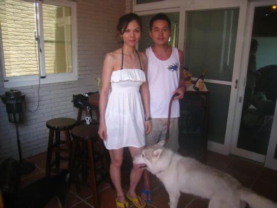 2010.7.3~4莫小姐情侶入住兩天船屋,也有帶一隻狗KIWI,他們很有愛心,因是領養的狗兒。 相片來源:墾丁寵物民宿.哈CHEESE