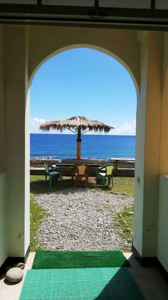 一下樓梯就能看見的景色! 相片來源:蘭嶼好望角渡假村