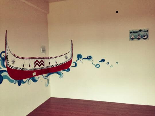 耗了我們超多時間完成的拼板舟, 入住這間房間的朋友們記得要和它合照一張唷~ 相片來源:蘭嶼好望角渡假村