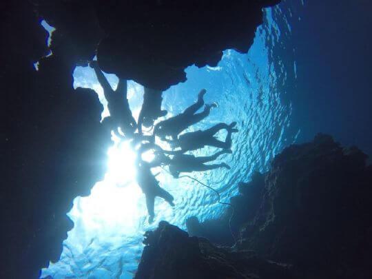 泡在涼涼的海水裡 相片來源:蘭嶼好望角渡假村