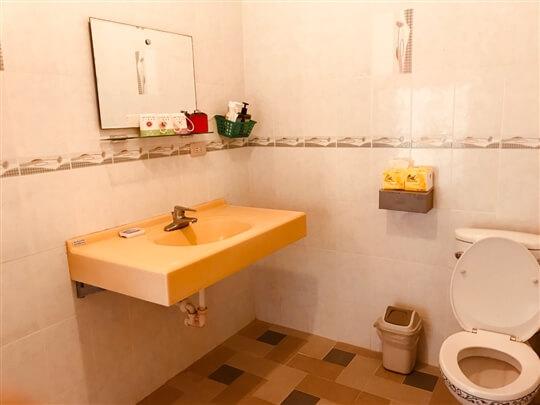 房間內的基本衛浴設備 相片來源:蘭嶼好望角渡假村