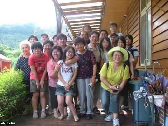 張松竹老師一家 相片來源:九族民宿渡假小屋