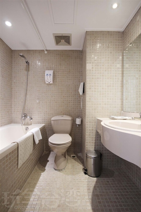 單_雙人房(一大床) 相片來源:新朝代飯店