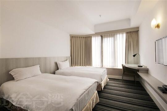 雙人房(兩小床) 相片來源:新朝代飯店