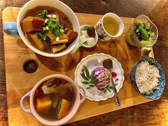住宿朋友晚餐 相片來源:瑞里阿喜紫藤民宿