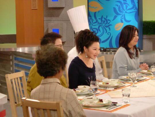 茶壺媽媽、爸爸上冰冰好料理 相片來源:瑞里茶壺民宿