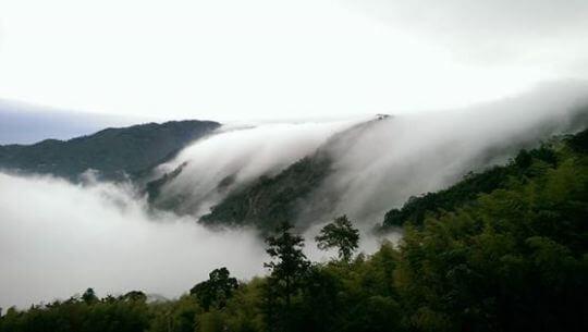 雲瀑 相片來源:瑞里幼葉的林民宿