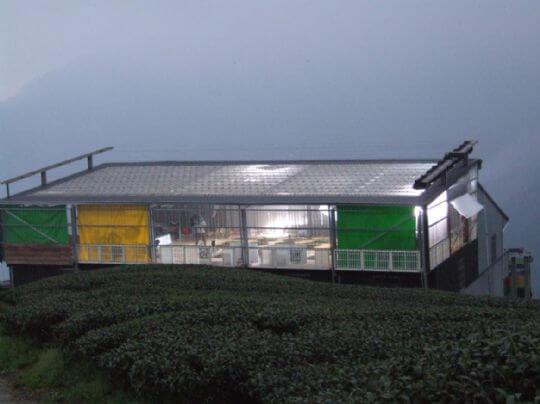 入夜後三棧坪製茶廠3樓的拍攝現場 相片來源:竹山天梯山林瓦舍民宿