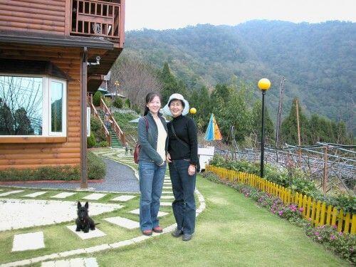 蘇清波-曾媽媽與我倆合照 相片來源:拉拉山觀雲休憩農莊