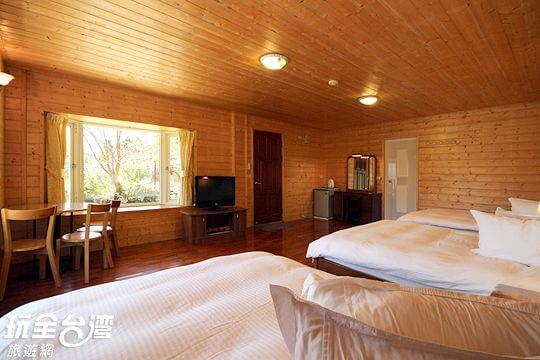 獨戶景觀六人房 相片來源:拉拉山觀雲休憩農莊