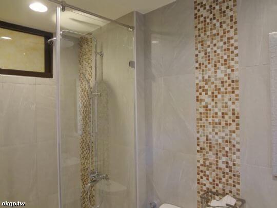105號四人房衛浴2