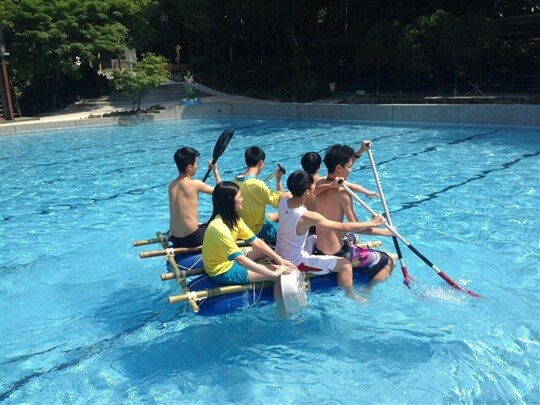 自製竹筏 相片來源:淡水淡江農場